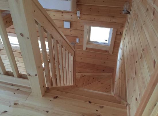 ログハウスの階段